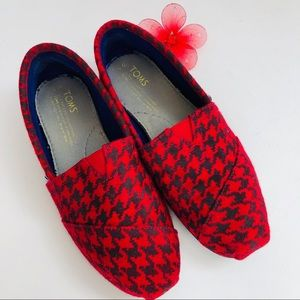 TOMS Classic slip on in Buffalo plaid.